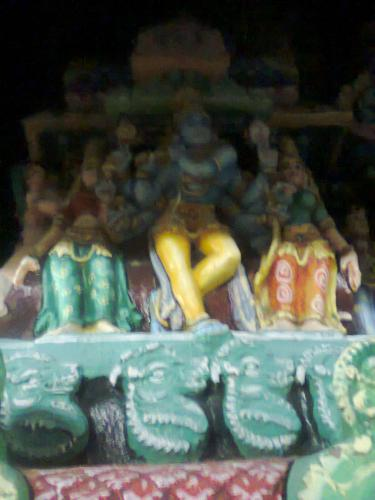at manargudi temple. sorry for the blured image :( will try toget a better picture next time
